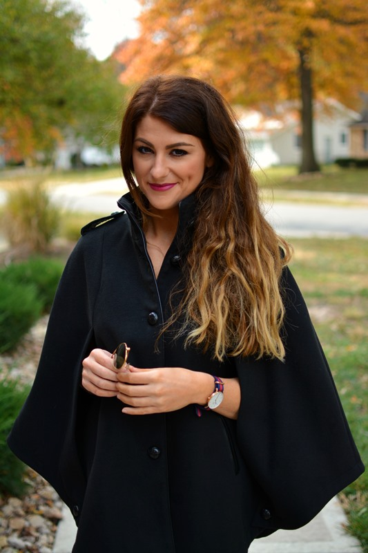 black cape, ashley from lsr, daniel wellington classic oxford watch