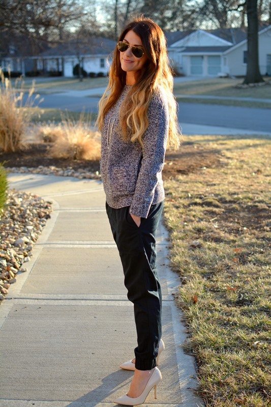 ashley from lsr, gap sweater, gap slouchy jogger, nude pumps