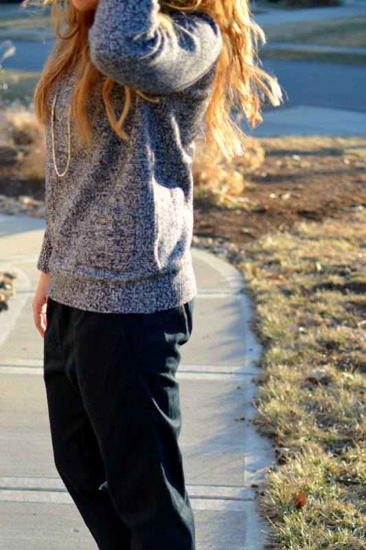 ashley from lsr, gap sweater, gap slouchy jogger