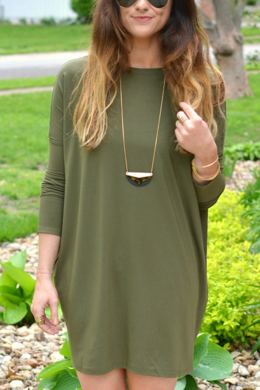 ashley from lsr, olive green dolman dress, madewell tortoiseshell necklace