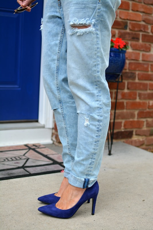 ashley from lsr, h&m girlfriend jeans, blue suede pumps