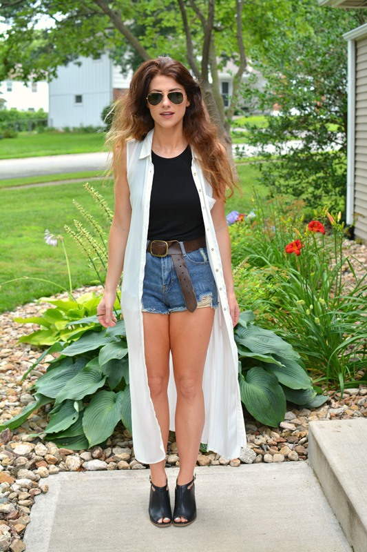 ashley from lsr, cutoff shorts, longline vest, leather mules