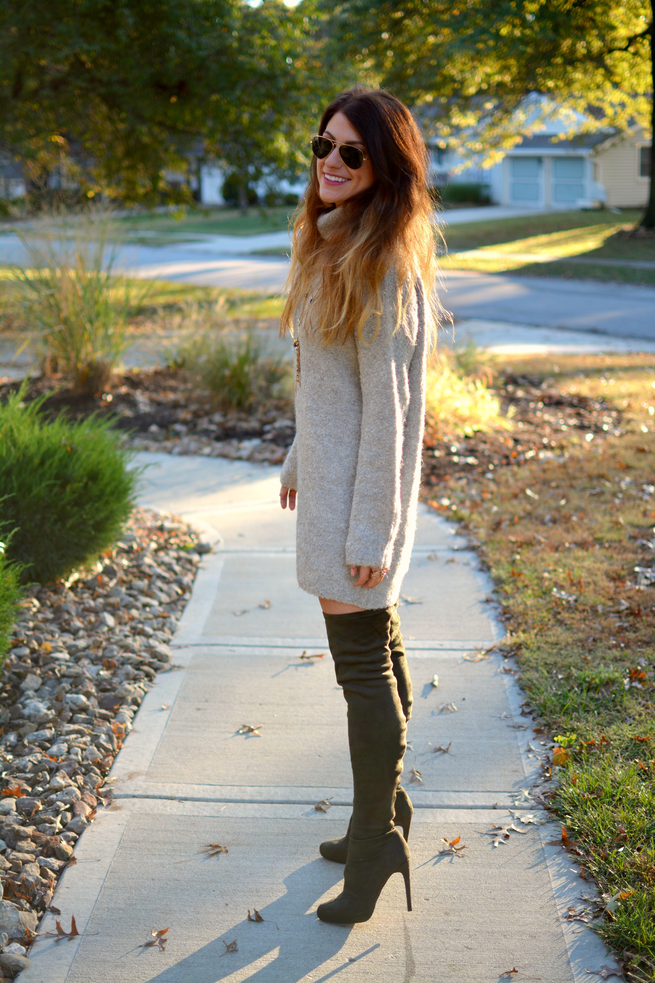 Sweater + Olive Green Boots. | Le Stylo Rouge