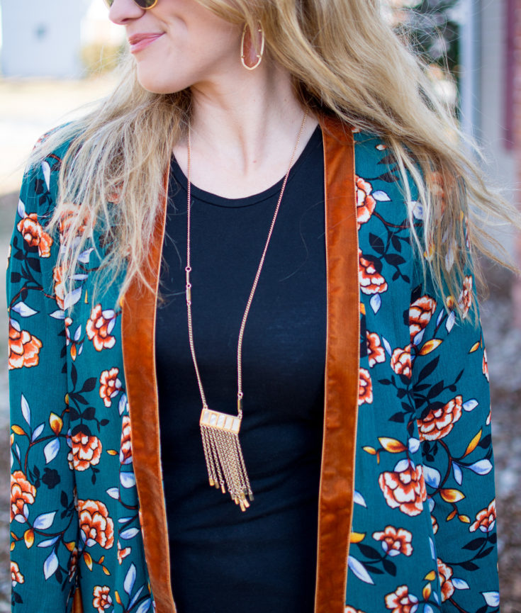 Ashley from LSR in a printed kimono and Kendra Scott earrings