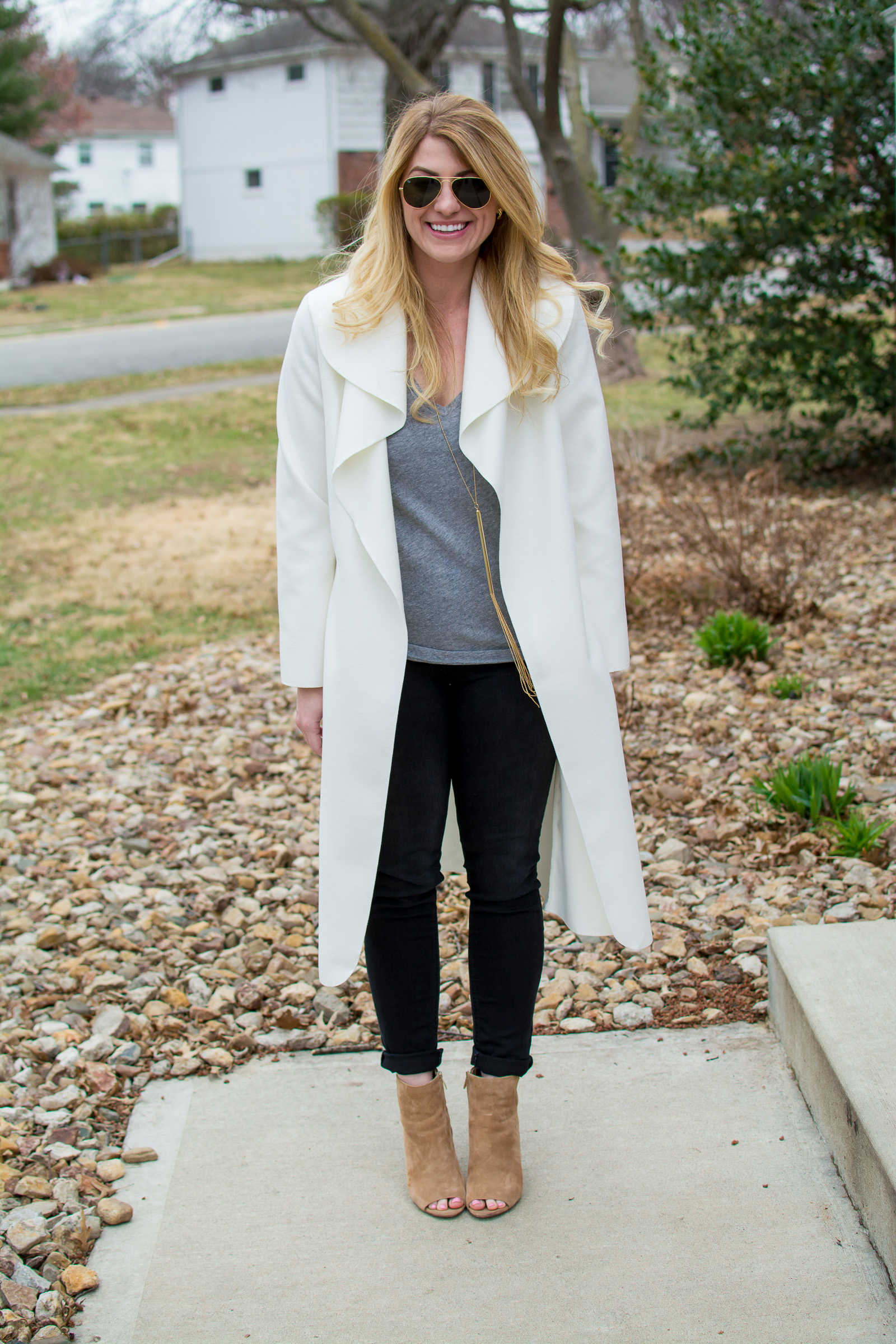 A White Duster for Early Spring. | Ashley from Le Stylo Rouge