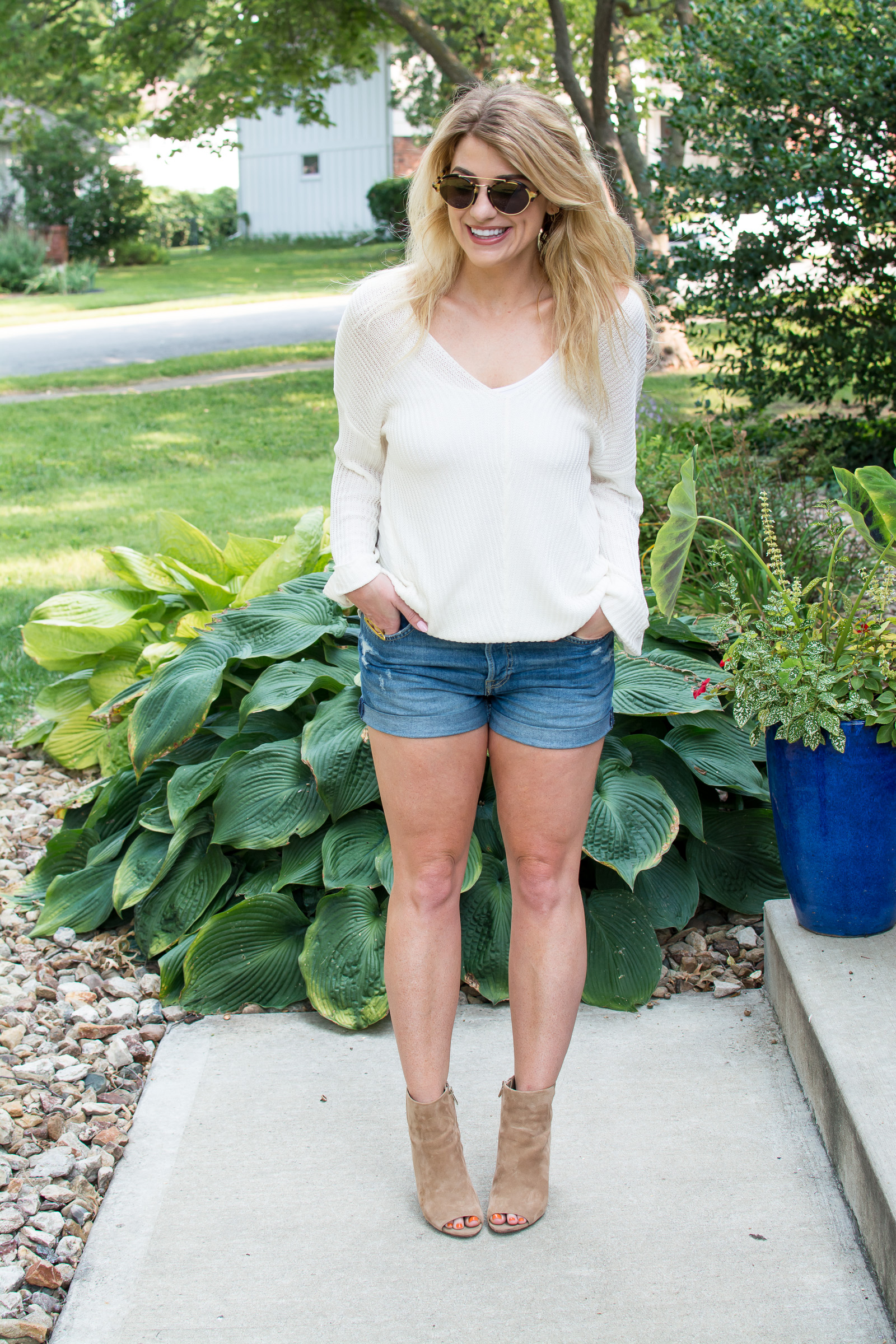 Vici Sweater + Boyfriend Shorts for an Early Fall Outfit. | Ashley from LSR