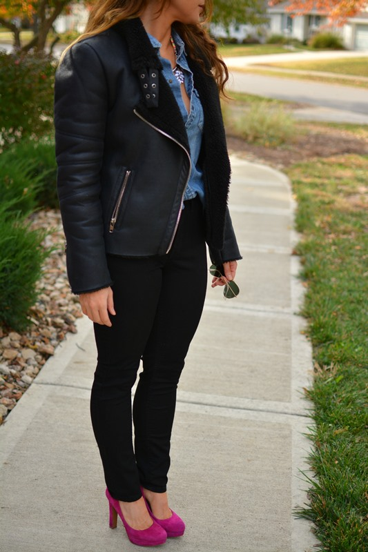 shearling moto jacket, chambray shirt, ashley from lsr, lee skinny jeans, pink pumps, baublebar statement necklace