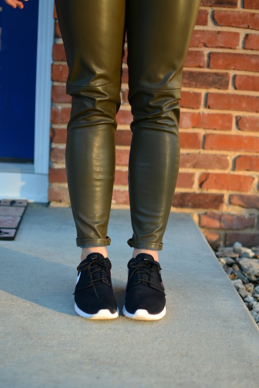 ashley from lsr, zara olive green leather leggings, roshe runs