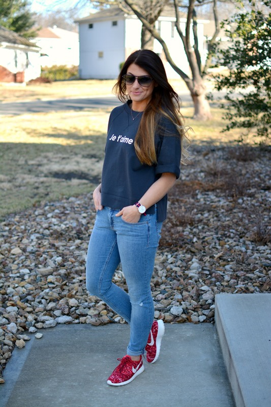 ashley from lsr, madewell je t'aime sweatshirt, red printed nike roshe runs