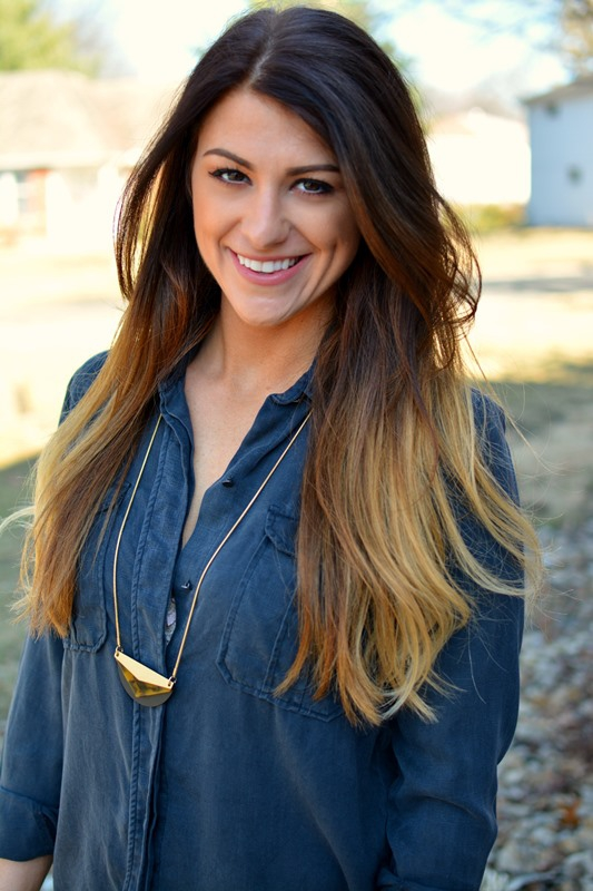 ashley from lsr, madewell necklace, black over-sized work shirt