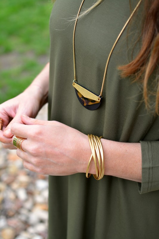 ashley from lsr, olive green dolman dress, madewell jewelry