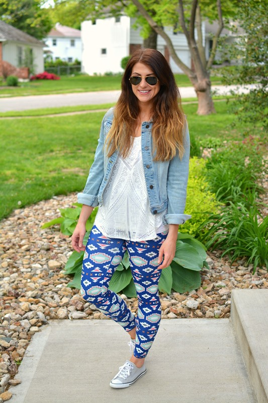 ashley from lsr, aztec leggings, jean jacket, gray converse sneakers