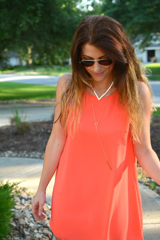 ashley from lsr, neon scoobie dress, baublebar porthole layered collar necklace