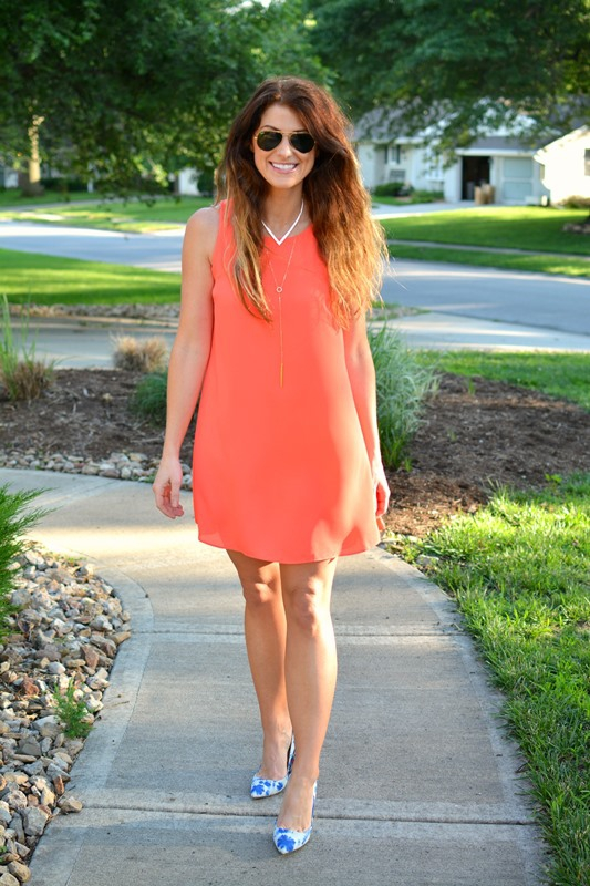ashley from lsr, neon scoobie dress, jcrew watercolor pumps, baublebar porthole layered collar necklace