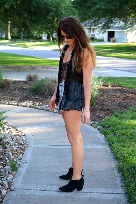 ashley from lsr, zoa silk tank, for love and lemons spring fling bra, acid wash shorts, black ankle boots