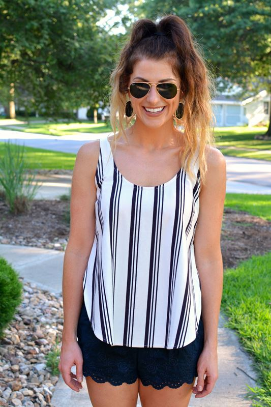 ashley from lsr, madewell striped tank, lace shorts