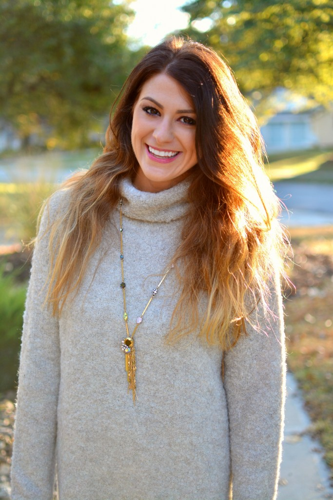 Ashley from LSR in a slouchy beige sweater and JCrew constellation necklace.
