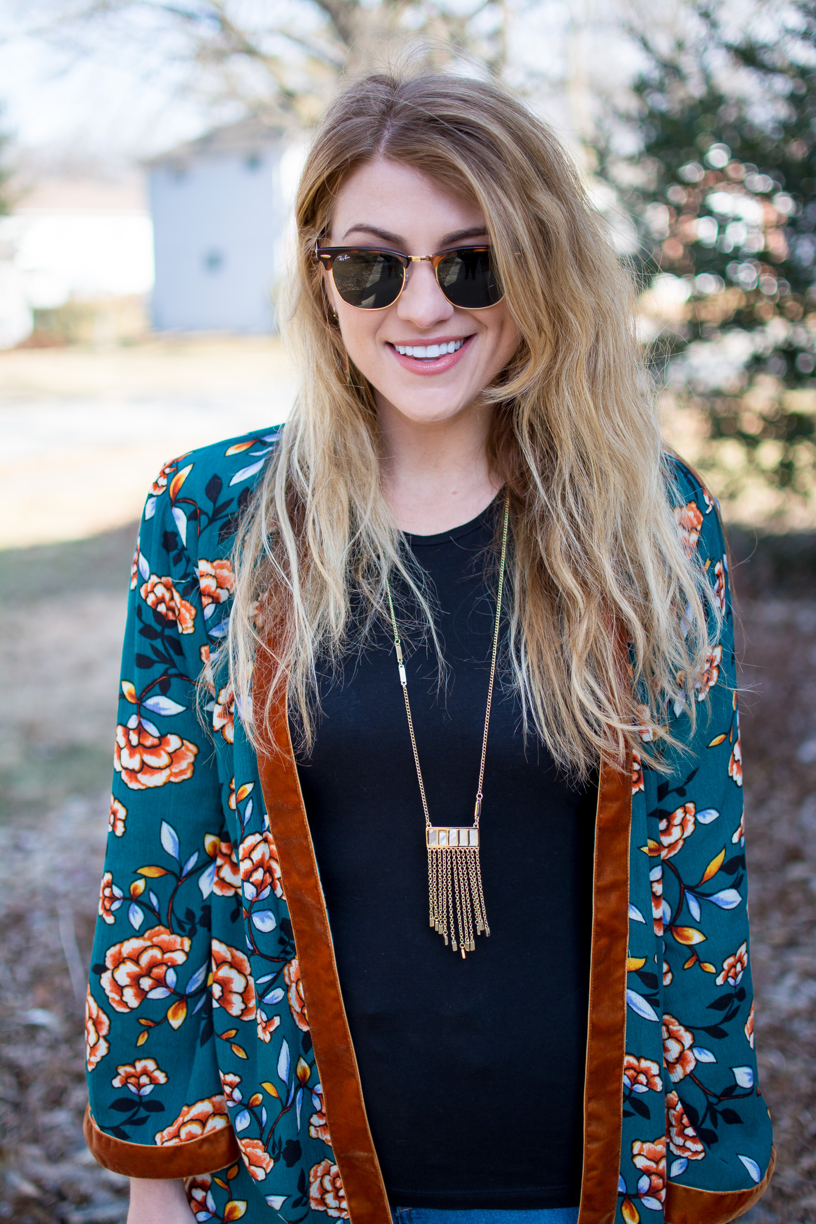 Ashley from LSR in a printed kimono and Ray Ban sunglasses