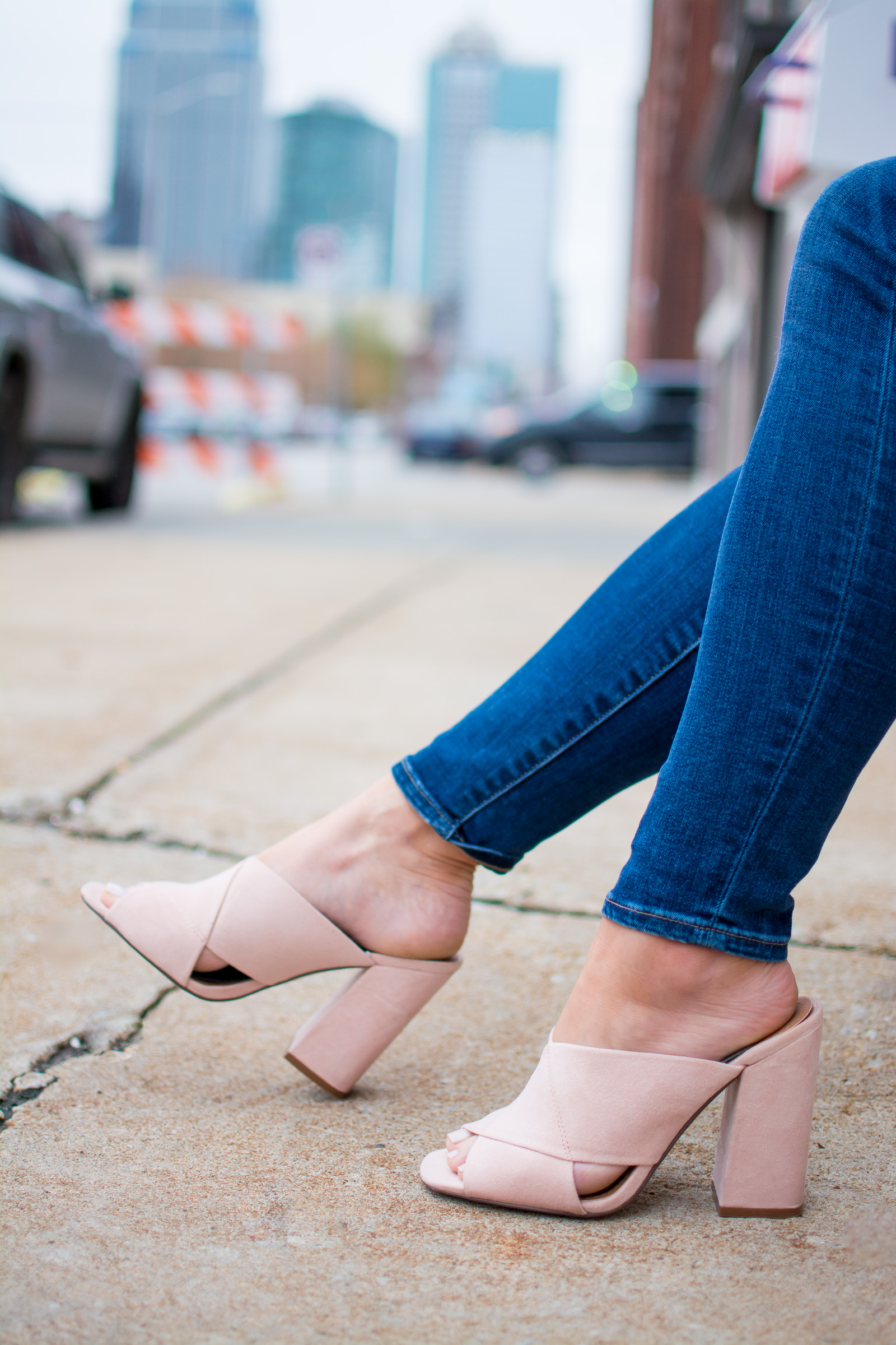 Blush Mules for Spring. | Ashley from Le Stylo Rouge