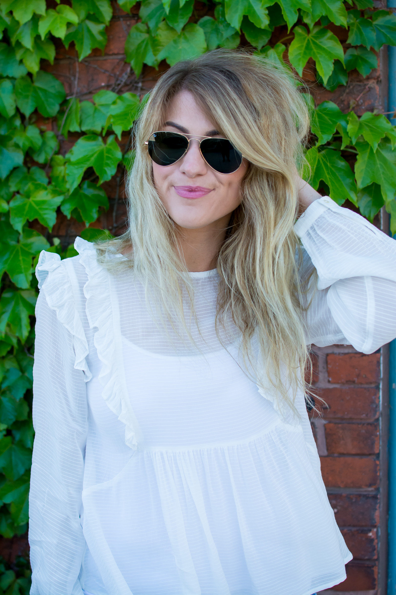 Breezy Ruffled Blouse. | Ashley from Le Stylo Rouge