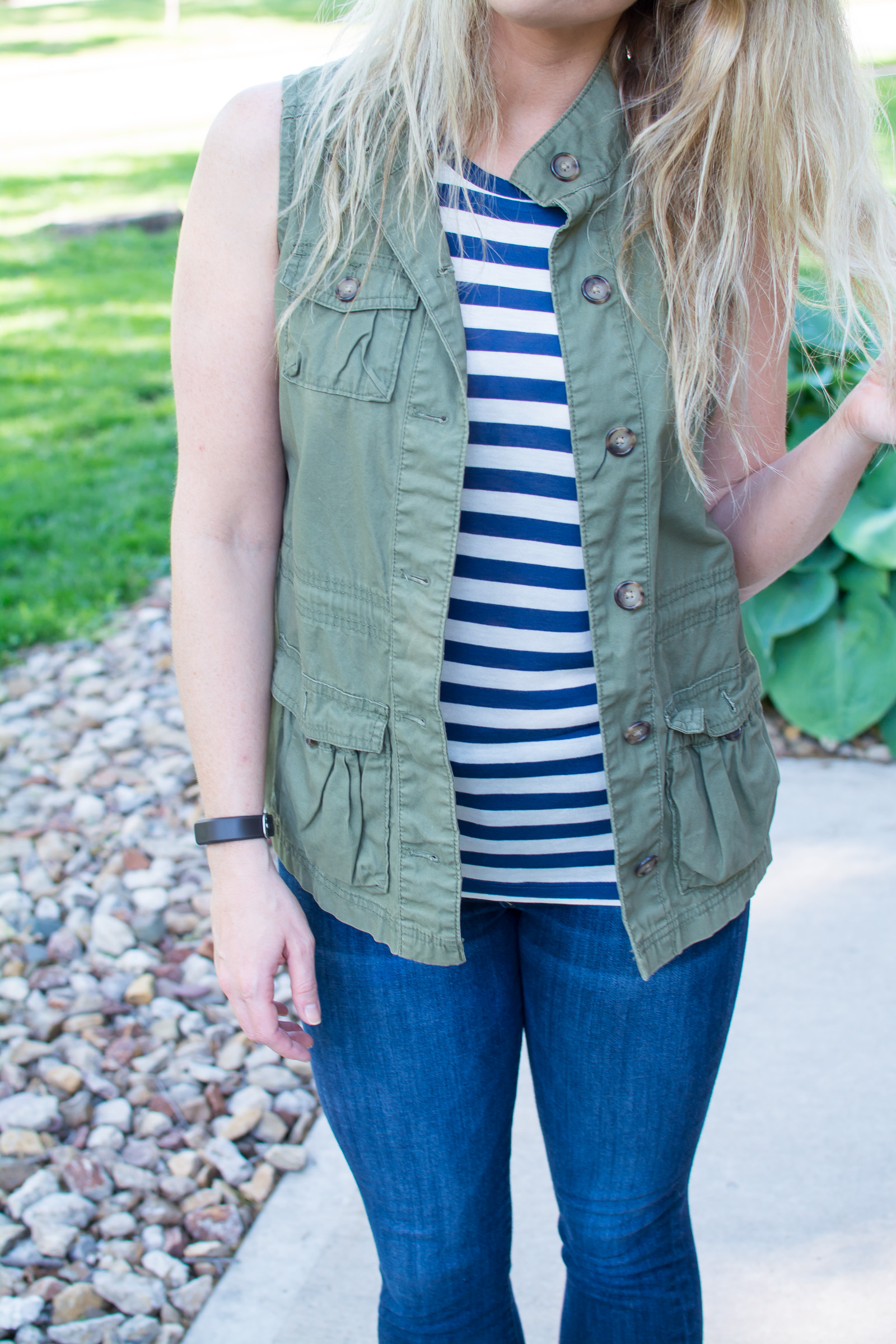 Utility Vest + Easy Stripes. | Ashley from Le Stylo Rouge