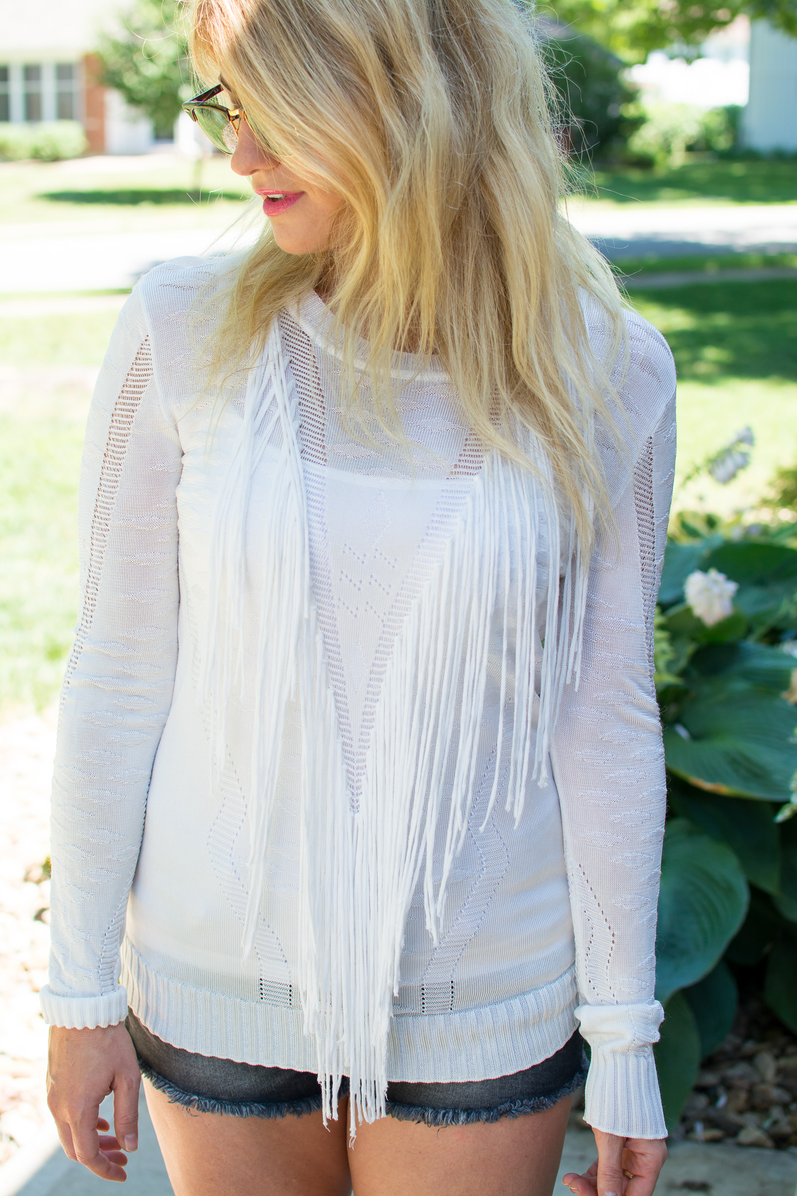 White Fringe Sweater for the Summer. | Ashley from Le Stylo Rouge