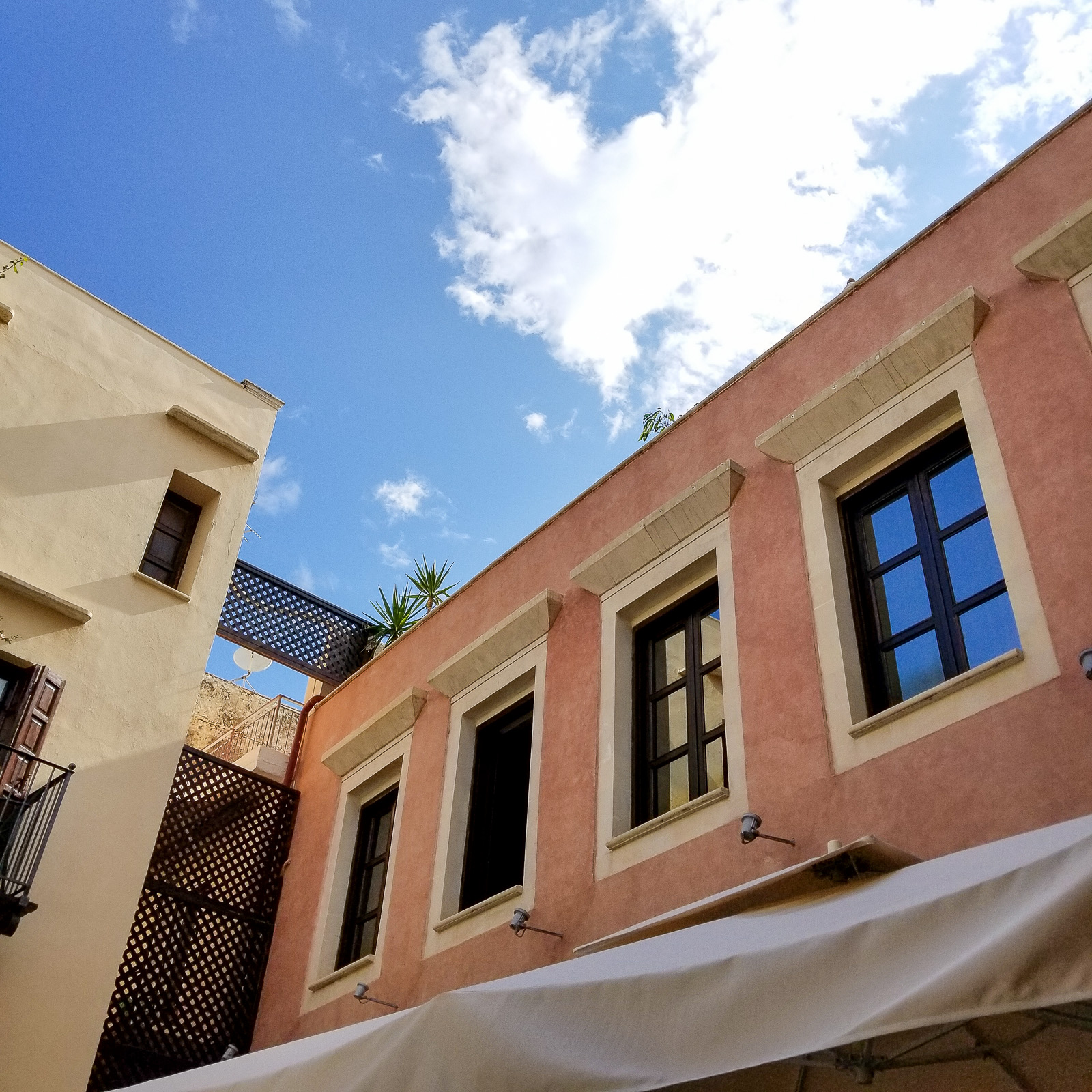 My Stay in Crete. | Ashley from Le Stylo Rouge
