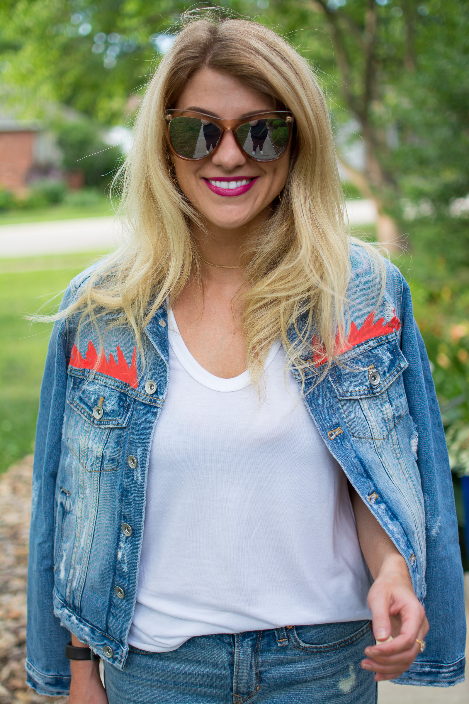 Sassy Denim Jacket. | Ashley from Le Stylo Rouge