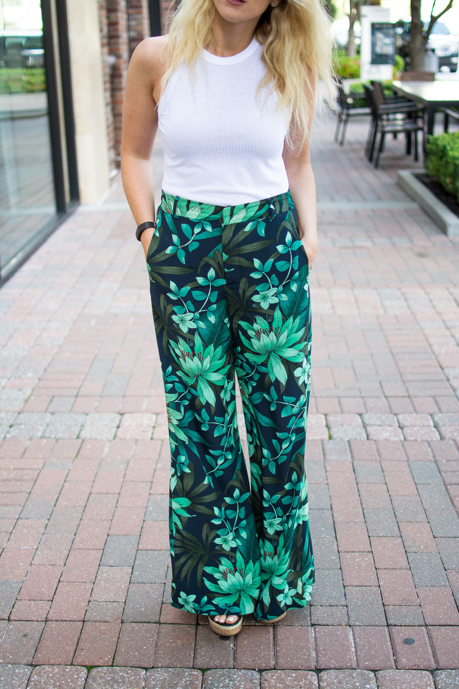 How to Wear Wide-leg Trousers. | Ashley from Le Stylo Rouge