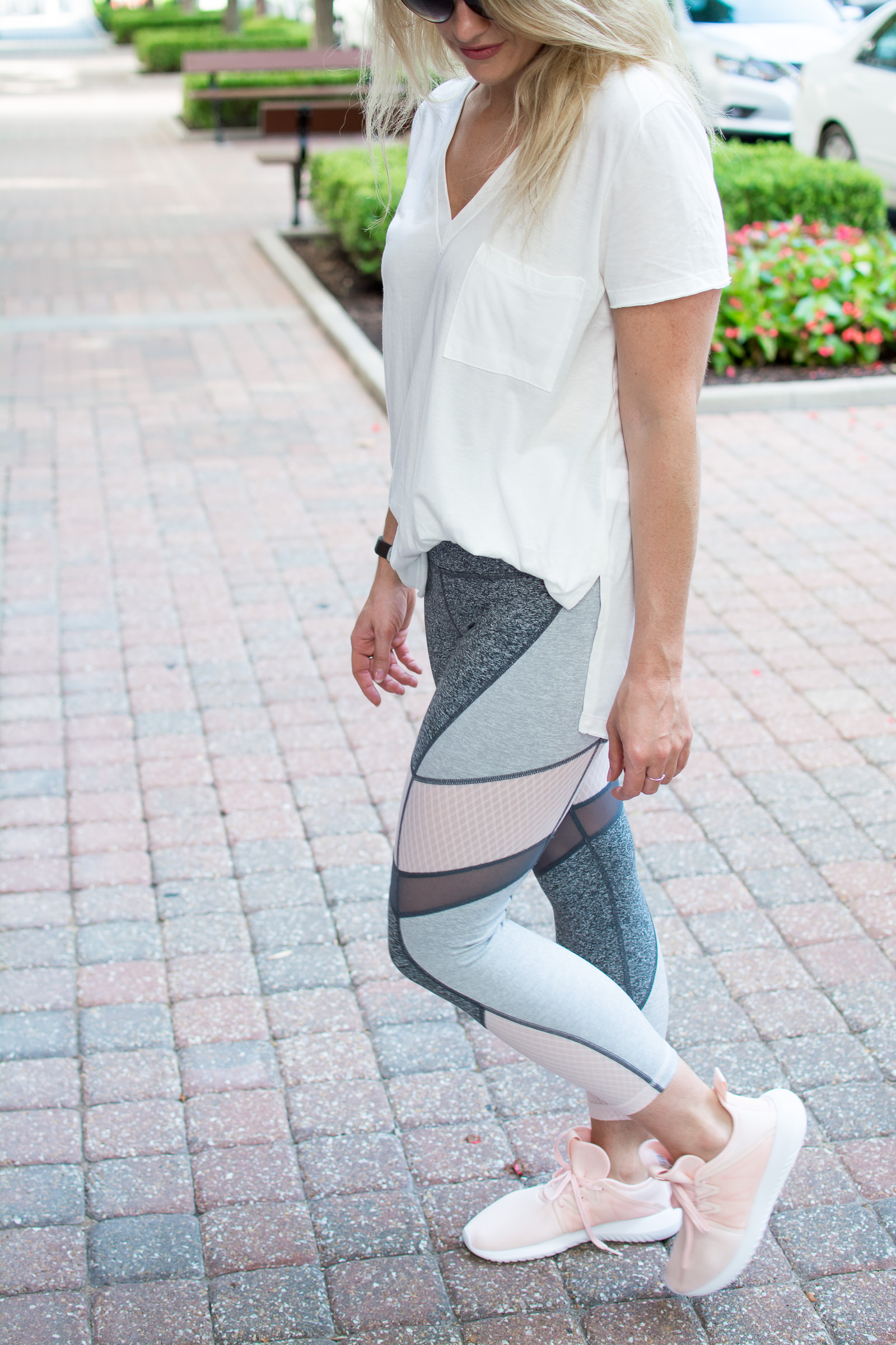 Blush Athleisure. | Ashley from Le Stylo Rouge