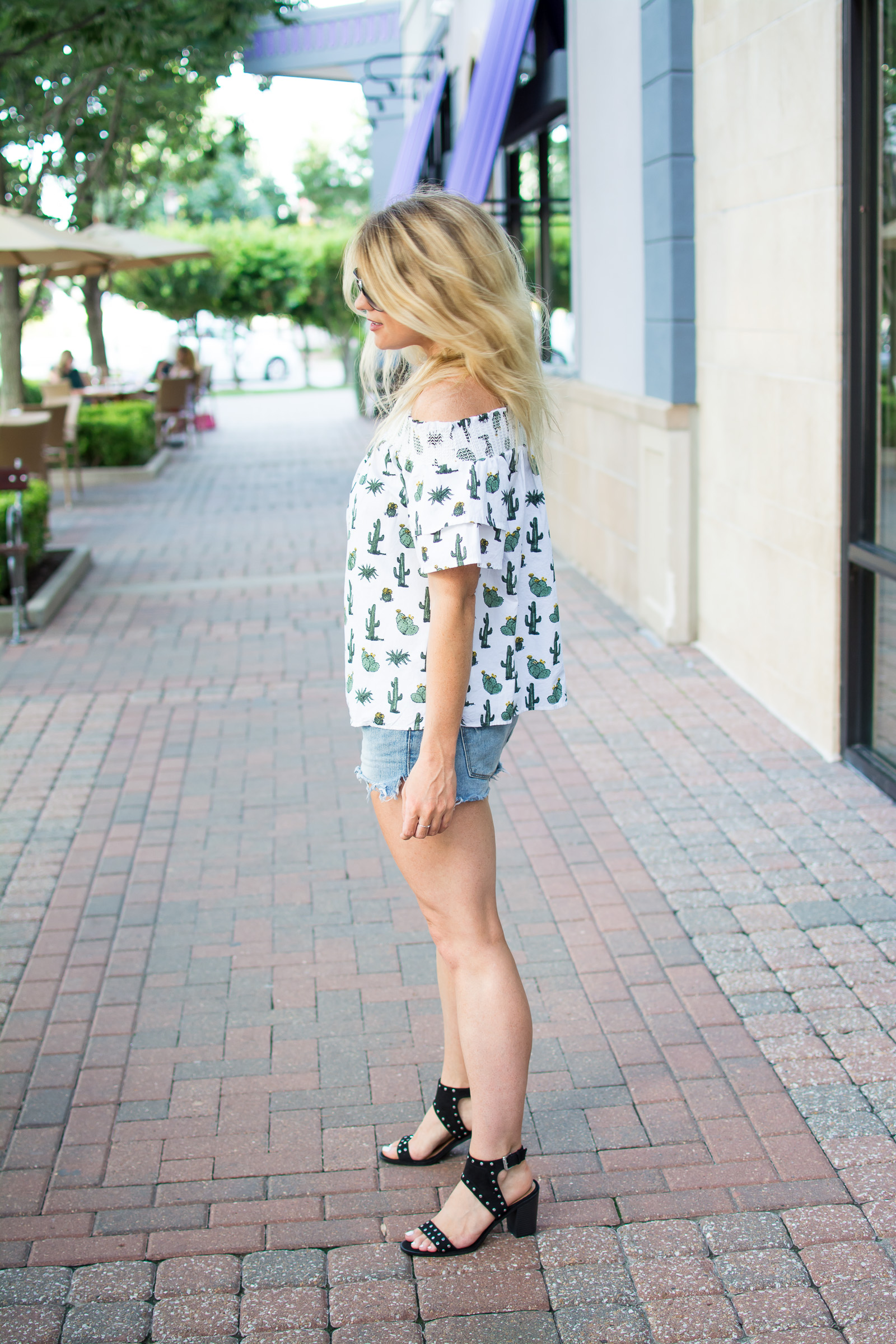 Cactus Off-the-Shoulder Top + Studded Sandals. | Ashley from Le Stylo Rouge
